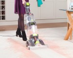 Carpet Washer cleaning carpet