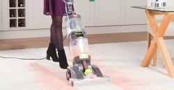 Carpet Washer cleaning carpet